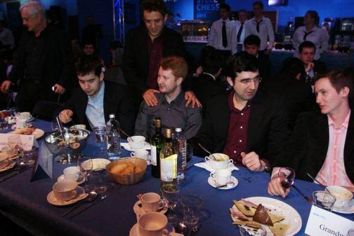 http://www.chessintranslation.com/wp-content/uploads/2011/04/Aronian-Nepomniachtchi-Potkin-Kramnik-Tata-Steel-CP.jpg